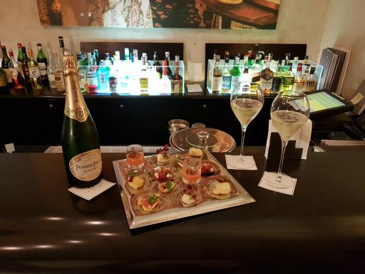 Aperitif with Champagne Perrier-Jouët