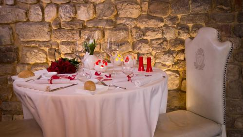 Valentine's Day dinner 2019 by candlelight at the Brunelleschi Hotel in the center of Florence