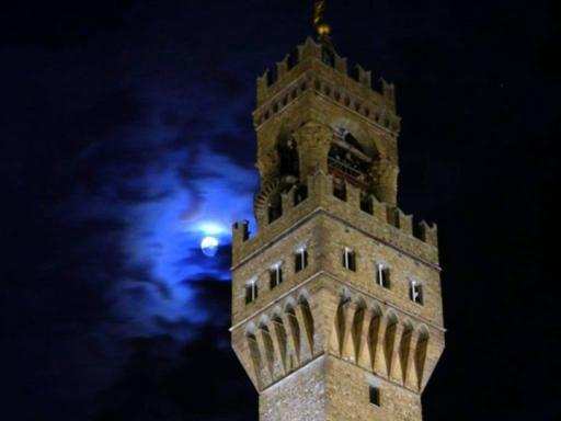 Three steps by night in Palazzo Vecchio